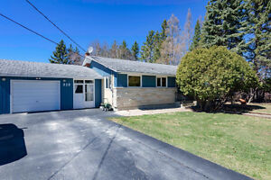 Private Country Home! 828 Frank Street, East Selkirk R0E 0M0