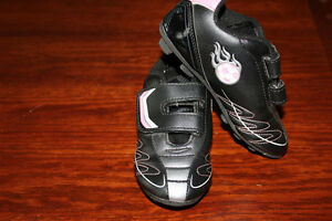 Toddler girl size 9 soccer cleats
