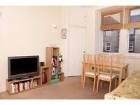 One bedroom flat in popular Newington location