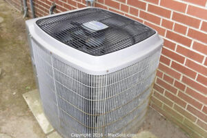 3 Ton Carrier A/C in Good Working Condition!