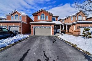WOW STUNNING DETACHED 2 STOREY....PRICE TO SELL....CALL NOW