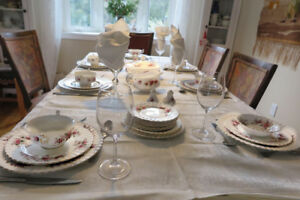 Royal Albert Lavender Rose dinner service.