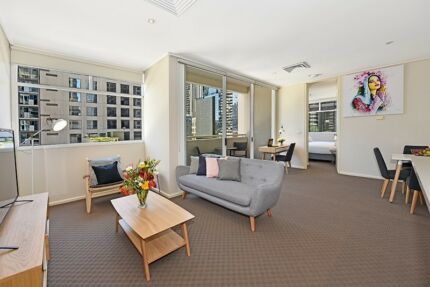 FULLY FURNISHED 1 BED. $730 p/w ALL BILLS - (Car park option)