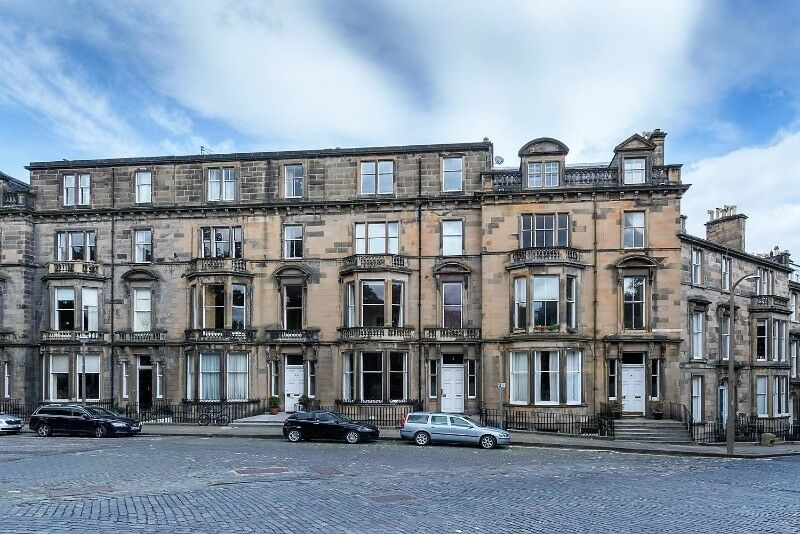 2 bedroom flat in Learmonth Terrace, Stockbridge, Edinburgh, EH4 1PQ