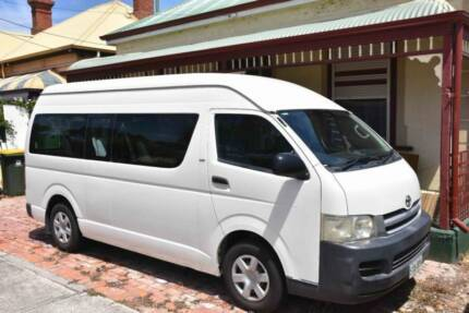Toyoyta Hiace COMMUTER Van for Hire