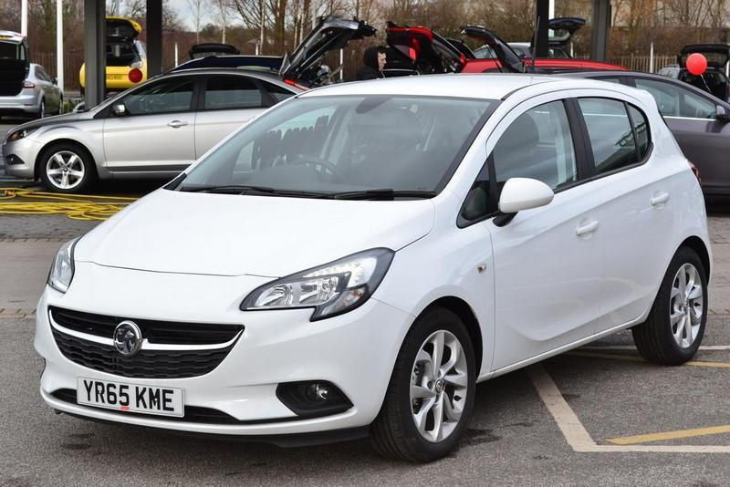 vauxhall corsa 1 2 excite 5 door ac white 2015 in swinton south yorkshire gumtree. Black Bedroom Furniture Sets. Home Design Ideas