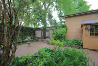 Yonge/Royal Orchard 3 Bedrooms 2 Bathrooms of Raised Bungalow