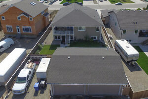 Total of 3 double garages and walk-out bsmt-2212 28 Ave Coaldale