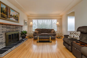 Close to SFU-4 Bedroom/2 bathrooms Central Coquitlam