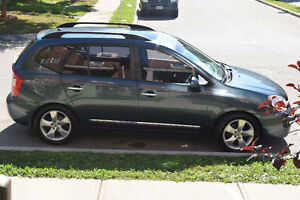 2009 Kia Rondo EX 7 passenger ,DVD/TV - No accident