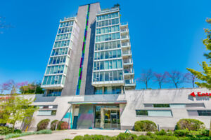 **STUNNING Mt. Pleasant 2 BED with city, mountain & ocen views!*