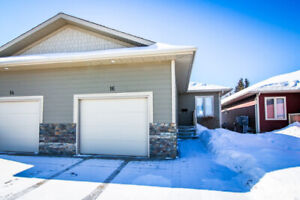 Beautiful 4 bedrooms 3 baths house is available for rent now