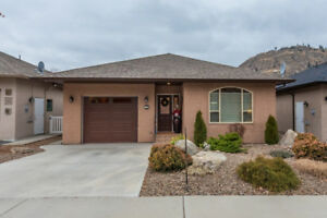 Immaculate and well cared for ranch style home in Oliver