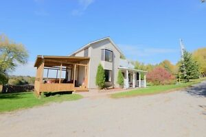 COUNTRY LIVING ON 13 ACRES!!