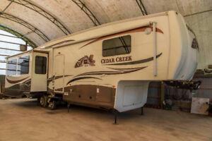 Cedar Creek 5th Wheel Trailer