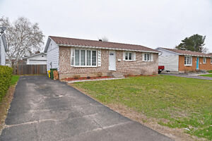 GREAT STARTER BUNGALOW  ID# 1048551