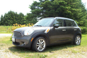 PRICE REDUCTION $9,000 Low mileage 2011 Mini Countryman