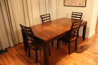 Beautiful solid wood dining set, ensemble de salle a manger