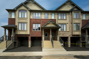 Captivating 3 Bdrm Ancaster Townhouse w/ Walk Out Bsmnt & Deck