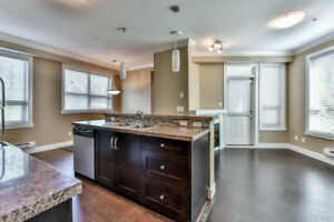 Quiet Bright End Unit condo by King George Station +2 udgnd park