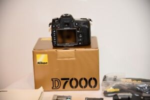 Nikon D7000 Body With extra Multi-Power Battery Grip&Box