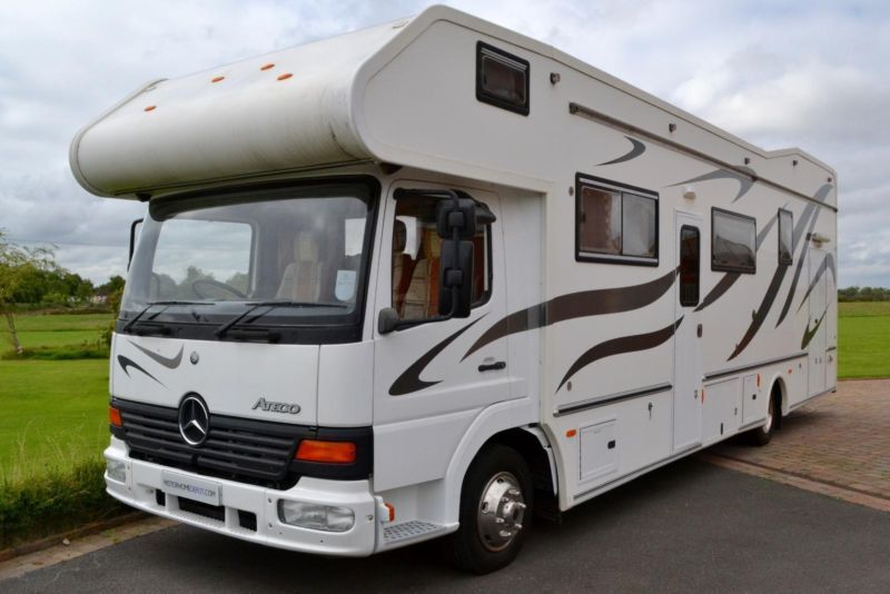 Event homes mercedes benz atego 8 berth large rear garage for Large garage for sale