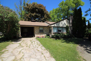 Charming Wiarton Bungalow Ready For You!