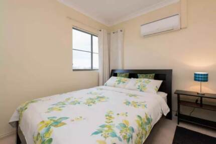 Bright Modern Room - 1 min to Coogee Beach!