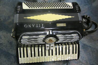 Women's Accordian