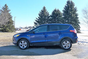 2014 Ford Escape SE AWD Crossover- ONE OWNER & ONLY $14 950!!