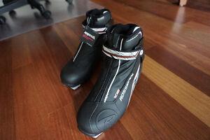 Rossignol X-C Ski Boots - Size 42 - Never Used - jamais utilisé