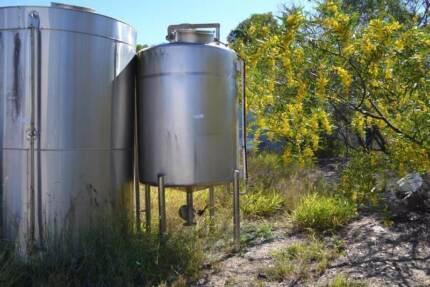 Stainless Steel Vertical Storage Tank