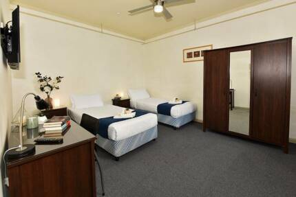 Great Rooms in Carlton!! Discounted rate of $330 pw all inc
