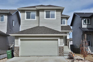 Spacious 3 bed home in a great family neighbourhood in Leduc!