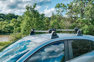 Yakima roof rack with foot pads for 2014 - 2017 Mazda 3