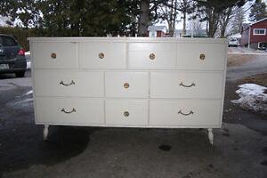 Vintage 8 drawer dresser