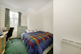 Cosy double room in Honor Oak Park opposite Honor Oak Station. FULLY FURNISHED. ALL BILLS INCLUDED.