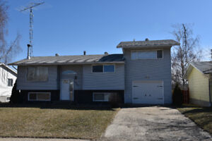 House for Sale in Hardisty, Ab - REDUCED!!!
