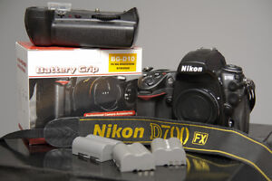 Nikon D700 FX body only with Grip