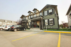 ****OPEN HOUSE SUN SEPT 10th 12-3:00PM**** Townhome Airdrie
