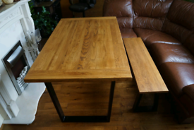 Solid Oak Dining Kichen Table and Bench with Metal Legs Brand New