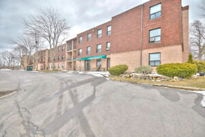 Cozy apartment in the heart of Beamsville- 201-4209 Hixon St.