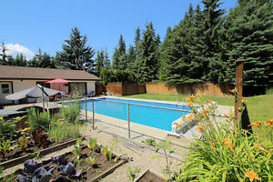 Salmon Arm - 4bdrm home with pool on 1.06 Acres