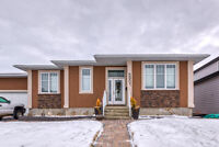 Beautiful walk out bungalow in Skyview! A must see!