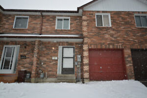 Beautiful 3 Bedroom Townhome (Whole House)