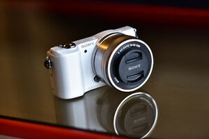 Sony a5000 mirrorless Camera with 16-50 lens