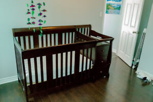 Storkcraft 4-In-1 Crib with changer & Lullabye Earth mattress
