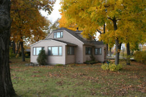 Lakefront Home, 6 Bdrm, December through April, $1,600/m