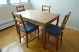 Dining table (118 x 74) + 4 chairs / Ikea JOKKMOKK antique stain