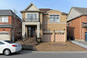 Great Location & Amazing Detached House Offers 4 Bdrms